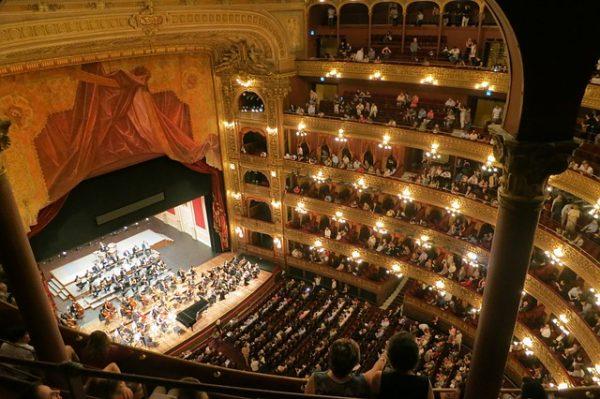 cadeau femme surprise opera concert unique