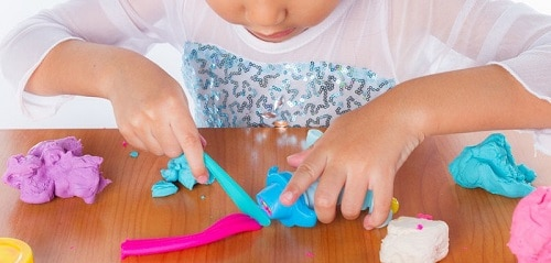 jeu enfant pâte à modeler